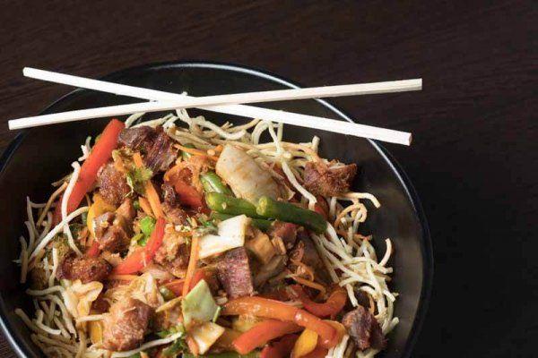 Chow Mein de Chicharrón